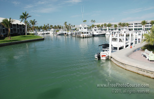 © 2011, www.FreePhotoCourse.com; picture of Captiva Island Harbour, Florida; example of photography without a polarizing filter.  All rights reserved.  Photo Credit: Stephen Kristof.