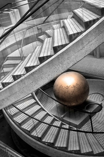 Picture of the Embarcadero Center Staircase and Gold Ball. Part of FreePhotoCourse.com's