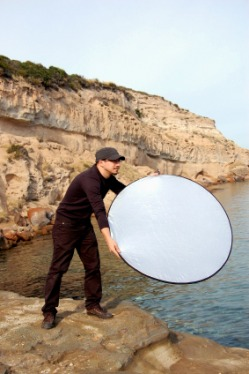 Photo Reflector at photosession; visit FreePhotoCourse.com